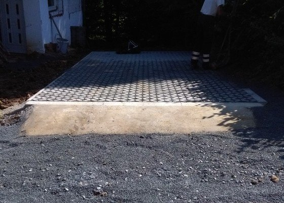 Kompletní výstavba parkovacího  stání