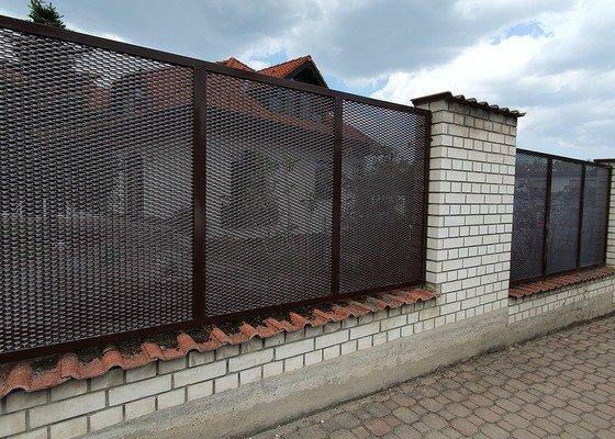 Automatická brána
