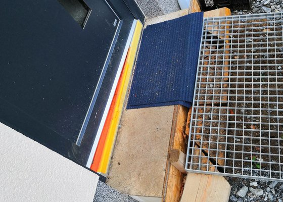 Obložení venkovních schodů dlažbou