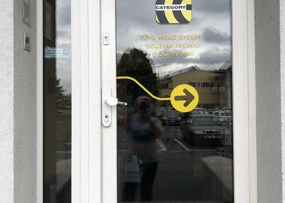 Oprava vchodových plastových dveří