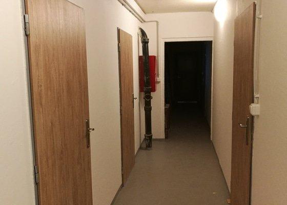 Dodávka a montáž dveří sklepy