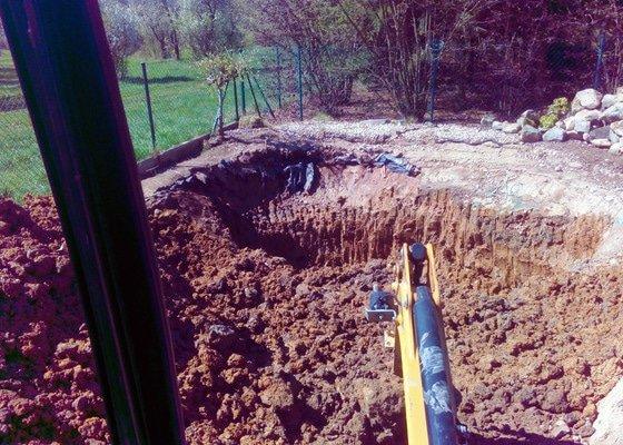 Výkop koupacího jezírka, včetně likvidace zeminy