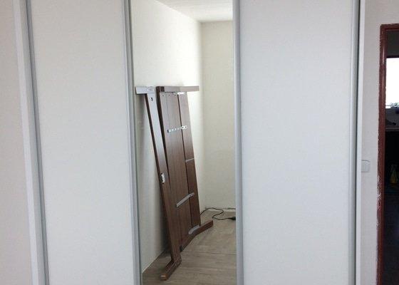 Vestavné skříně