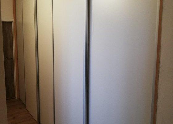 Dveře do vestavěné skříně