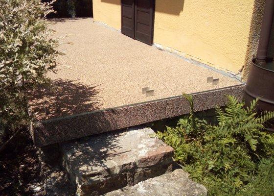 Rekonstrukce terasy u chaty
