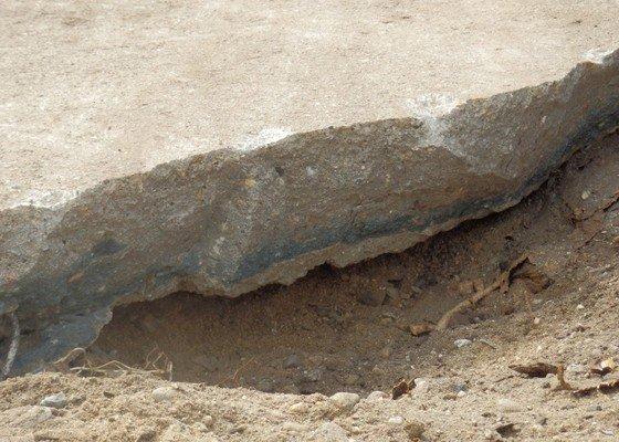 Rozbití betonu a jeho odvoz