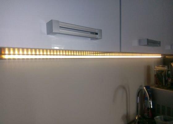 Kompletace osvětlení, zhotovení LED podsvětlení s bezdotykovým ovládáním
