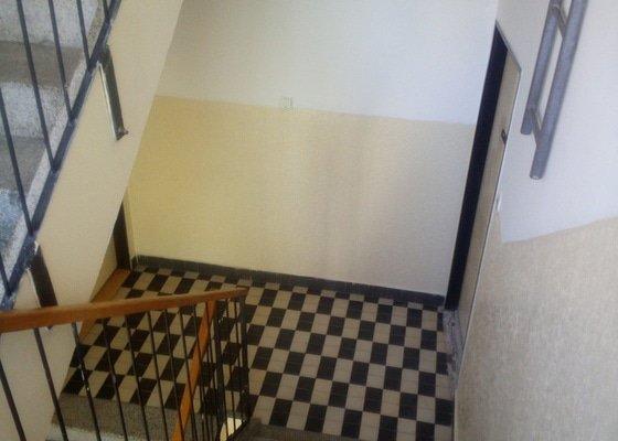 Generalni uklid po malovani chodby a společne prortory 4patroveho domu