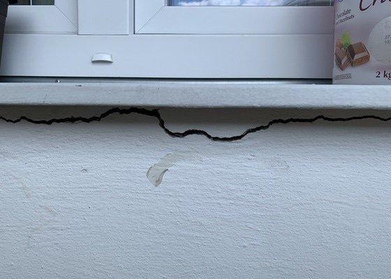 Vymalování + drobné opravy zdí lodžie + natření parapetu