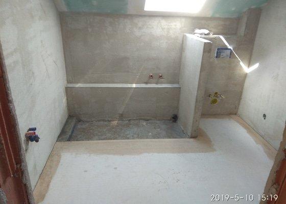 Pokládka dlažby cca 200 m2, obklad koupelen a WC cca 80 m2