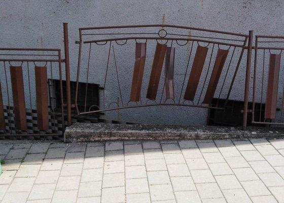 Opravit železný plot