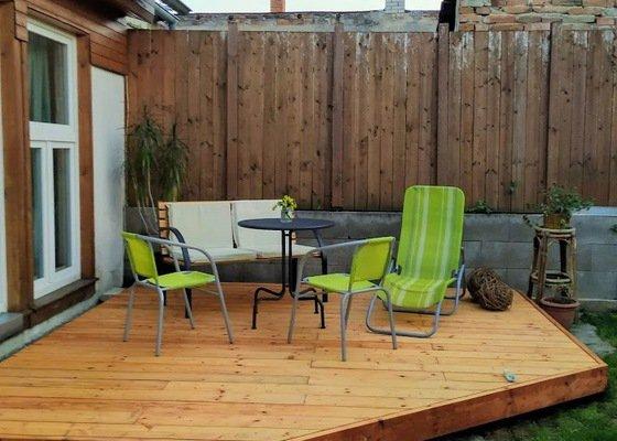 Pokládku dřevěné venkovní terasy