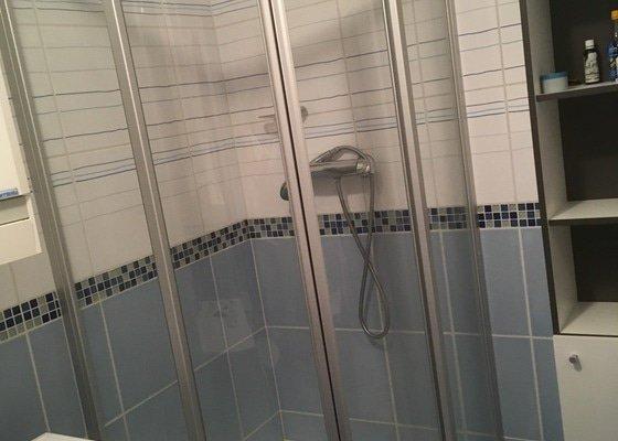 Výměna zástěny sprchového koutu