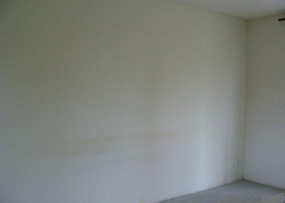 Vymalování bytu 2+kk, renovace kovových zárubní a revizních dvířek