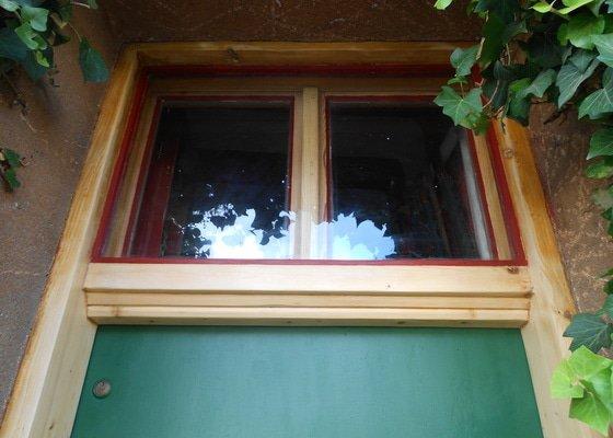 Natření oken a dveří rodinného domku