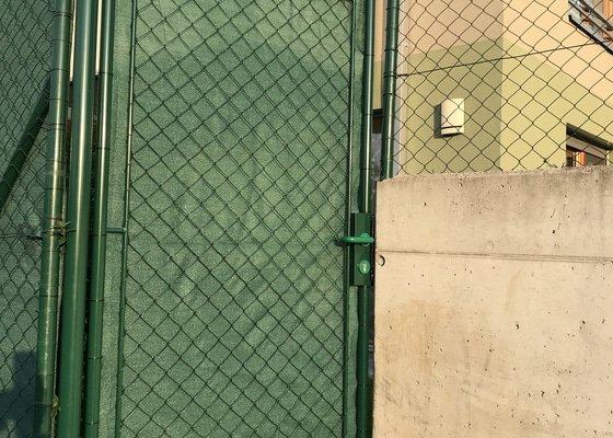 Udělání branky v plotě na předzahrádce