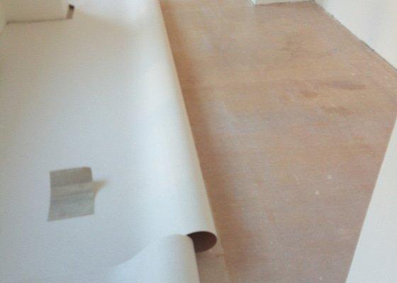 Rekonstrukce stávajících a položení nových podlah v RD v Brně
