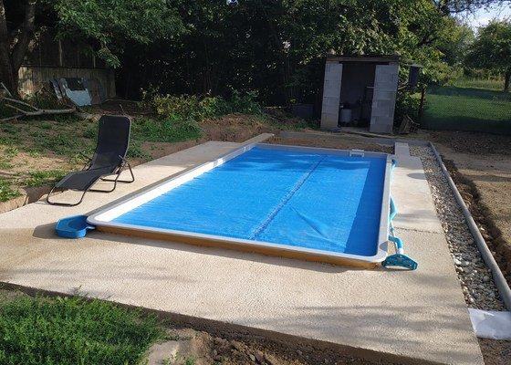Terasová prkna okolo bazénu 21m2, sibiřský modřín