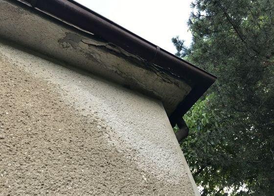 Zednická oprava podhledu u rod. domu - 2 rohy přízemí, pod terasou