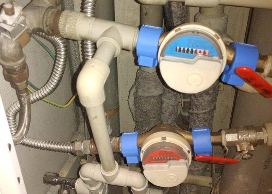Stupačky výměna hadice od pračky a WC, případně vyvedení ventilů