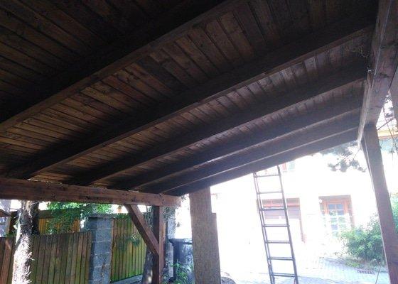 Stavba dřevěného přístřešku na auto