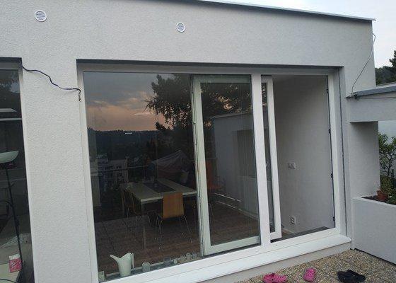 Zatepleni kolem 2 velkych oken a terasy