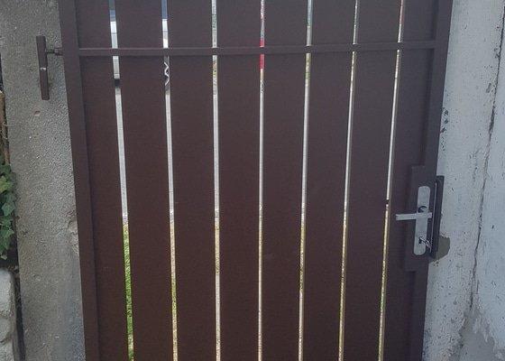 Výměna plotových vrátek