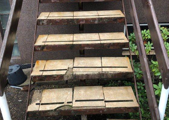 Ocelové rošty na schody
