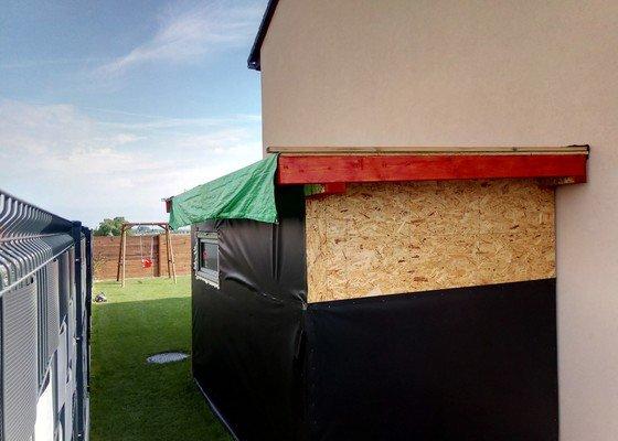 Plochá střecha na zahradní domek