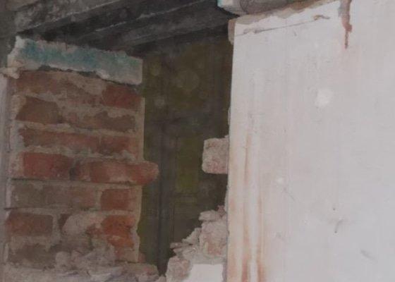 Vybourání prostupů v nosném cihelném zdivu (dveřní otvory - 2x)