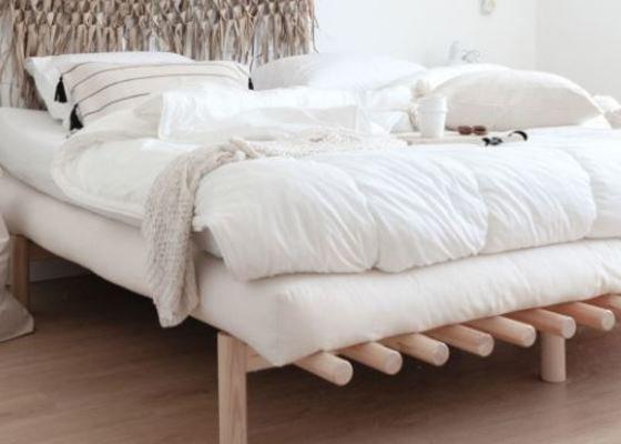 Výroba postele z masivu