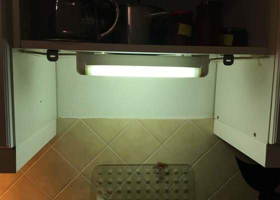 Přimontování digestoře ke kuchyňské lince