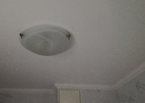 Výměna 10 stropních LED světel v bytě v Praze