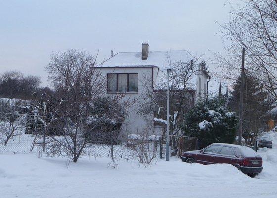 Rekonstrukce střešní krytiny - plech,cca 15-20m na rodinném domku, sklon 30°
