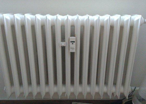 Výměna 4 litinových radiátorů v panelovém bytě