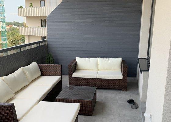 Výroba paravanu/zástěny na balkoně v novostavbě