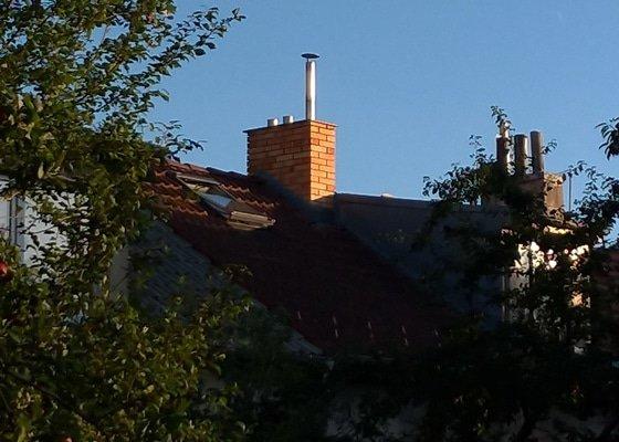 Stříšku na dvě komínové vložky a doplnění a kontrola tmelu okolo vložek