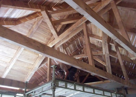Atypický krov - na přístavbě garáže