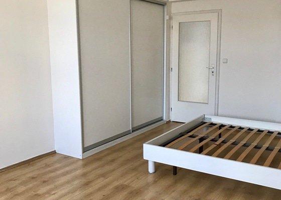 Oprava vestavěné skříně