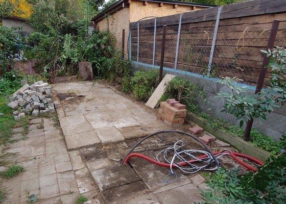 Demolice a odvoz zahradního domku
