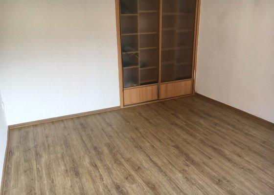 Pokládka podlahové krytiny