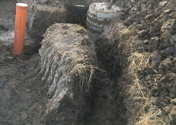 Výkopové práce / napojení vody+kanalizace