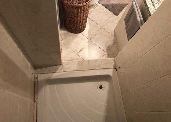 Montáž posuvných dveří sprchového koutu
