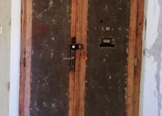 Renovace dvoukřídlých vstupních dveří do bytu