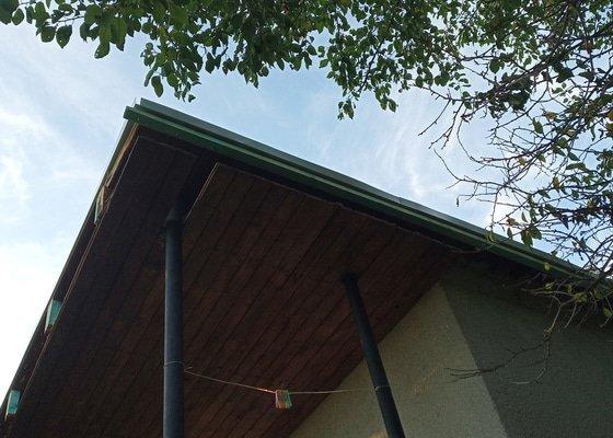 Izolace střechy (30m2) + podbití přesahu střechy