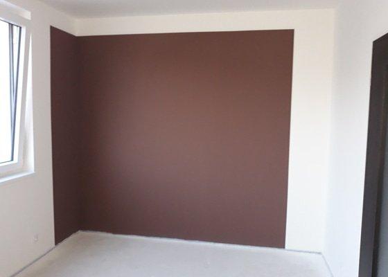 Vymalování 4 zdí barevně v novostavbě RD