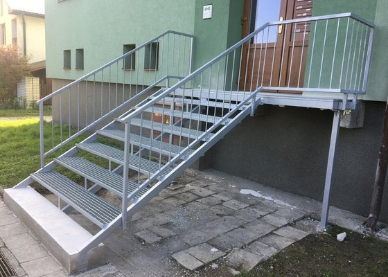 Rekonstrukce či stavba nových schodů