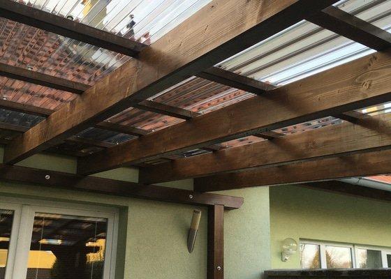 Stavba a zastřešení dřevěné pergoly