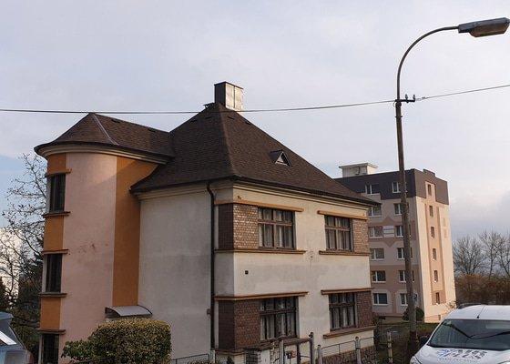 Nová střecha u jednopatrového rodinného domu.
