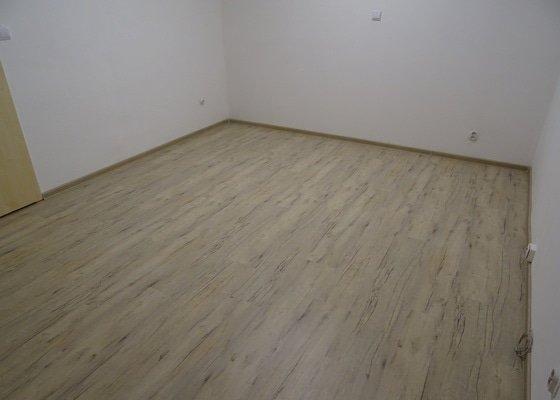 Pokládka podlahové krytiny vinyl